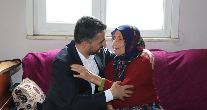 Ayvacık Belediye Başkanı Halil Kalaycı'dan Anneler Günü Ziyareti