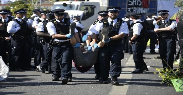 Londrada Gözaltına Alınan İklim Değişikliği Aktivistlerinin Sayısı 750Yi Geçti