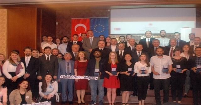Dışişleri Bakan Yardımcısı Kaymakcı Erasmus Öğrencileriyle İftarda Buluştu
