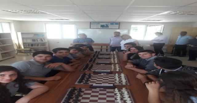 Yumurtalıkta Satranç Turnuvası