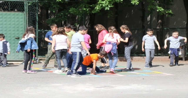 Safranboluda Okul Bahçeleri Öğrenciler İçin Renklendi