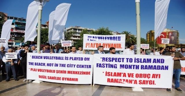 Aydında Stklardan Ramazan Ayında Plaj Voleybolu Tepkisi