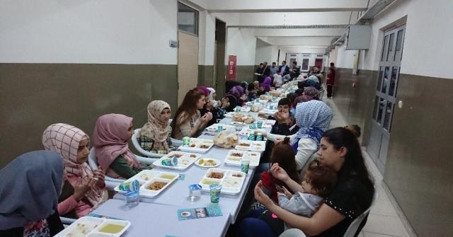Seyyid Battal Gazi İmam Hatip Ortaokulu Ve Esimderden İftar Buluşması