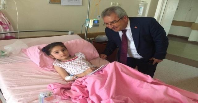 Kaymakam Yıldırımdan Kazada Yaralanan Minik Zeynepe Moral