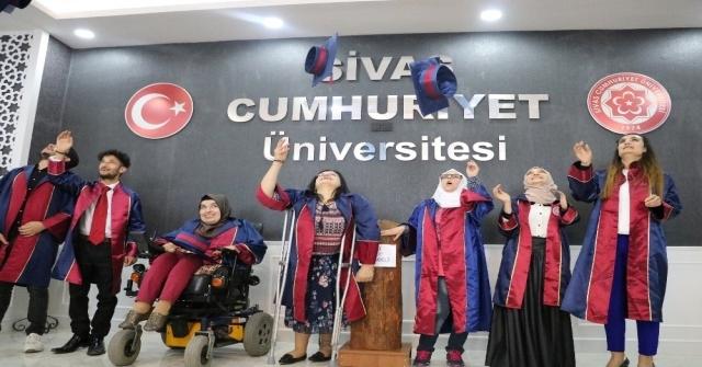 Üniversiteli Engelliler İçin Mezuniyet Töreni Düzenlendi