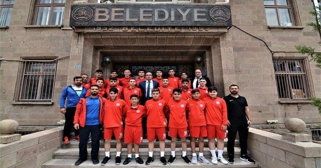 Sandıklıspor U16 Takımı Türkiye Şampiyonası İçin Kütahyaya Gitti