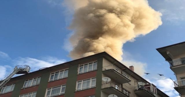 Başkentte Çatısı Yanan Bina Boşaltıldı