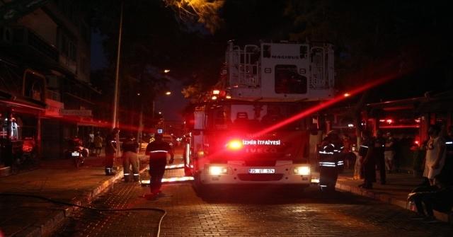 İzmirde Apartmanda Çıkan Yangın Paniğe Neden Oldu