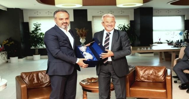 """Büyükşehir Belediye Başkanı Aktaştan Nilüfer Belediye Başkanı Turgay Erdeme """"Hayırlı Olsun"""" Ziyareti"""