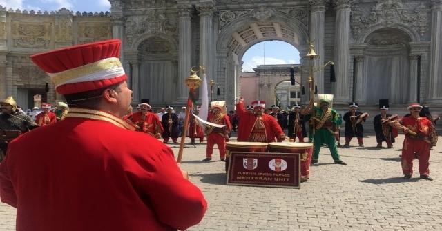 Dolmabahçe Sarayında Mehter Konserine Turistlerden Yoğun İlgi