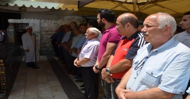 Muhammed Mursi İçin Orduda Gıyabi Cenaze Namazı