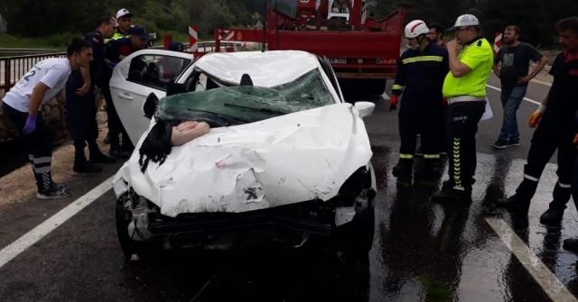 Boluda, Dereye Düşen Otomobildeki 3 Kişi Hayatını Kaybetti