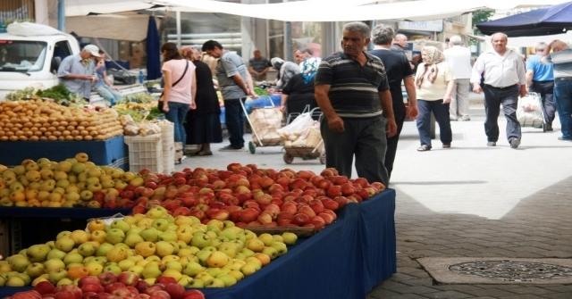 Denizlide Sebze Ve Meyve Fiyatları Düşüşe Geçti
