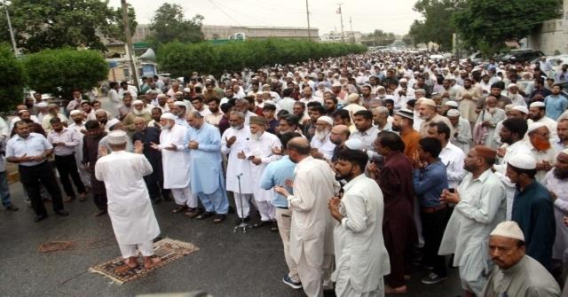 Pakistanda Mursi İçin Gıyabi Cenaze Namazı Kılındı