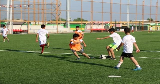 Şanlıurfada Futbol Yaz Okuluna Yoğun İlgi