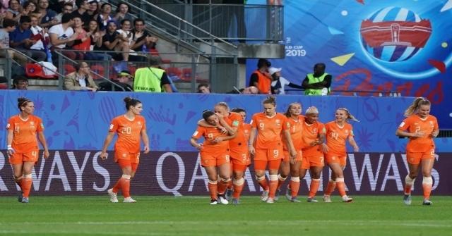 Hollanda İlk Kez Çeyrek Finalde