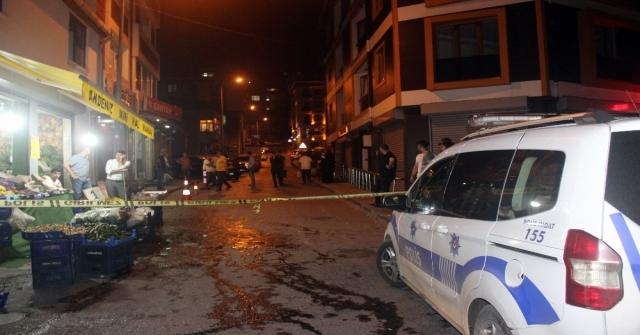 Beyoğlunda Motosikletli Magandalar Silahla Dehşet Saçtı: 1 Yaralı