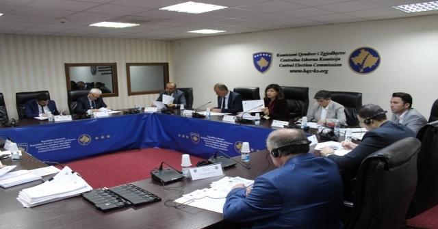Kosovada Muhalifler Erken Seçim Talebinde Bulundu