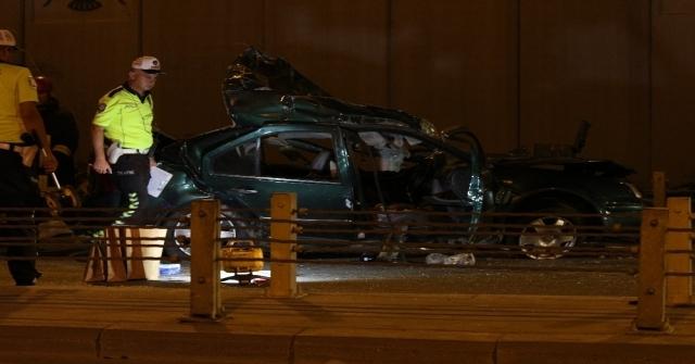 Konyada İki Otomobil Çarpıştı: 7 Ölü