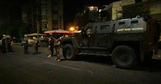 Diyarbakırda Bir Eve Düzenlenen Operasyon Sonucu 1 Terörist Etkisiz Hale Getirildi