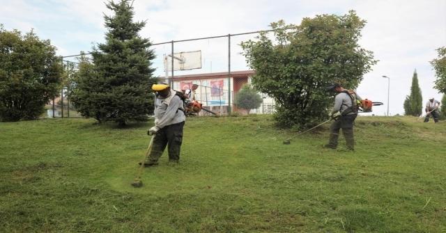 Park Ve Bahçelerde Yoğun Mesai