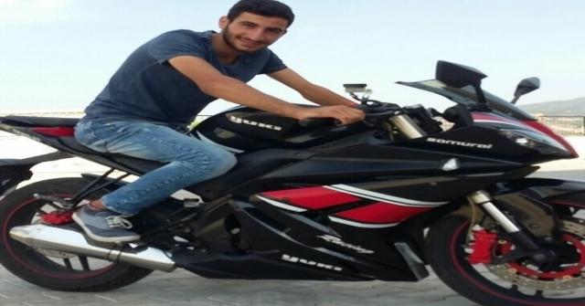 İzmirde Motosiklet İle Kamyonet Çarpıştı: 1 Ölü, 1 Yaralı