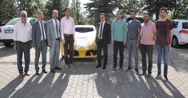 Erülü Öğrenciler İnsansız Elektrikli Otomobil Geliştirdi