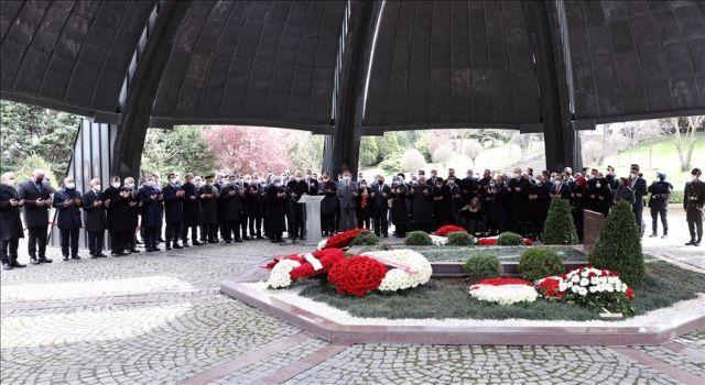 8. Cumhurbaşkanı Turgut Özal, vefatının 28. yılında kabri başında anıldı