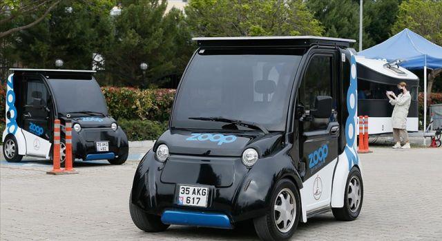 Elektrikli mini araç 'paylaşımlı' olarak İzmir'de yollara çıktı