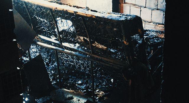 Yangına müdahale ederken hastanelik oldu