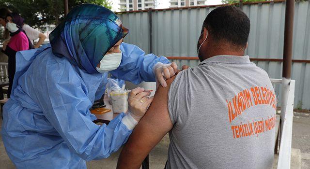 İlkadım personeli korona aşılarını oldu