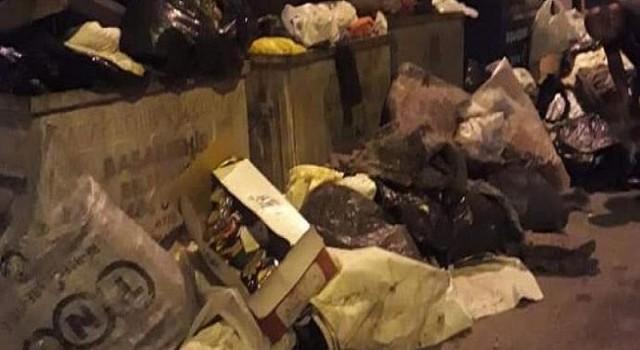 Başakşehir'de çöp yığınlarına CHP'li Deniz Bakır'dan Tepki.!