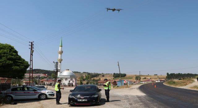 Havza'da jandarma ekipleri drone destekli uygulama yaptı