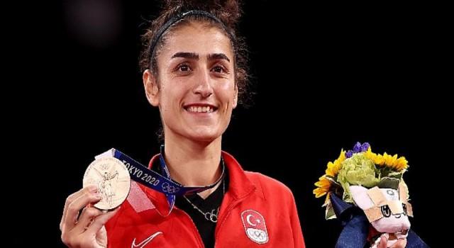 Olimpik Anneler projesinin sporcularından Hatice Kübra İlgün, Bronz Madalya kazandı