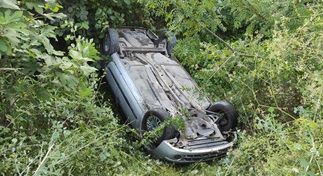 Samsun'da otomobilin devrilmesi sonucu aynı aileden 3 kişi yaralandı