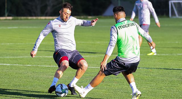 Samsunspor'un yeni transferi kampa katıldı