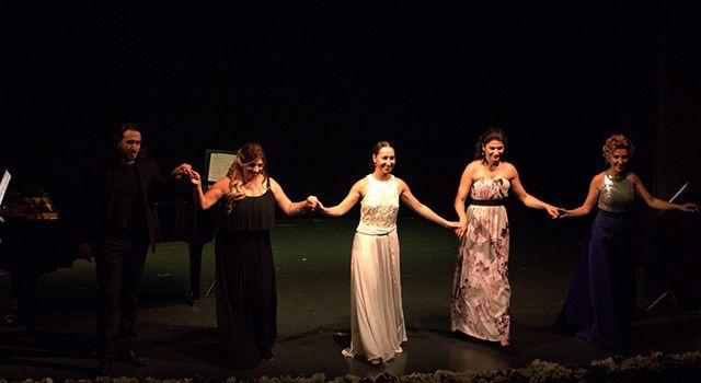 Büyüleyen 'Sopranolar' gecesi