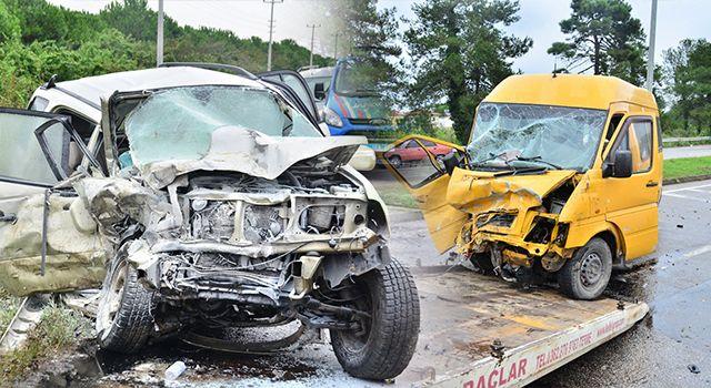 Samsun'da Feci Kaza! cip ile minibüs çarpıştı: 4 yaralı