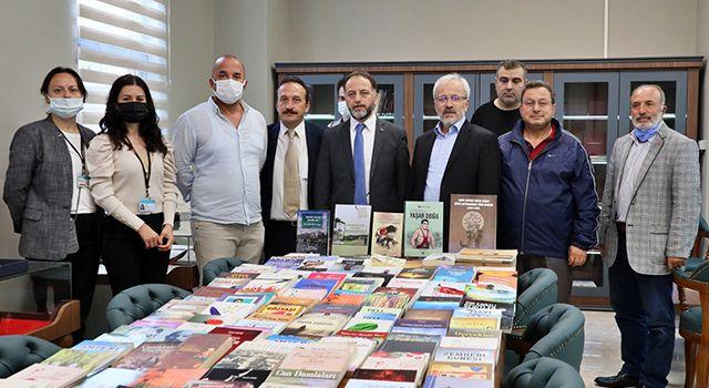 'Şehir Kitaplığı'na dev eserler katıldı