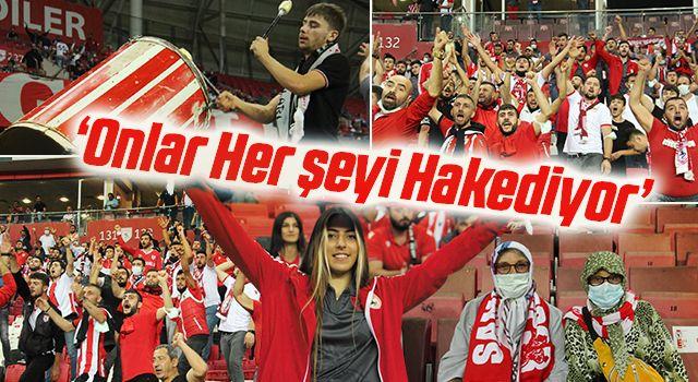 Yılport Samsunsporlu Futbolculardan Taraftara Teşekkür: Onlar Her şeyi Hakediyor