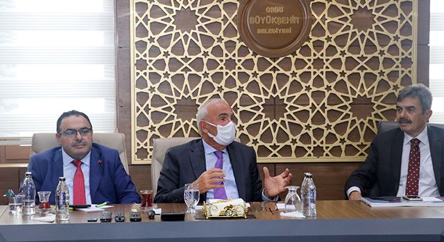 AK Parti MilletvekiliYusuf Ziya Yılmaz: Halkımızınmemnuniyetiön planda olmalı