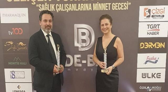 Yeni Yüzyıl Üniversitesi Gaziosmanpaşa Hastanesi 'Sağlık çalışanlarına Minnet' de 2 ödülün birden sahibi oldu