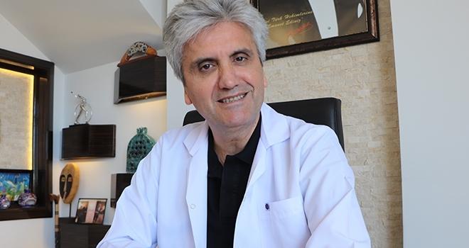 Doç. Dr. Hayati Akbaş: Kötü dişler psikolojiyi bozuyor