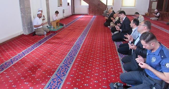 Kavak'ta Şehitlere dua