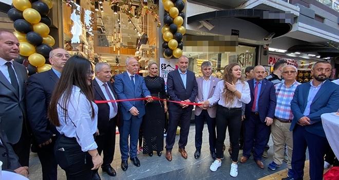 Samsun'da Başkanlar mağaza açılışında