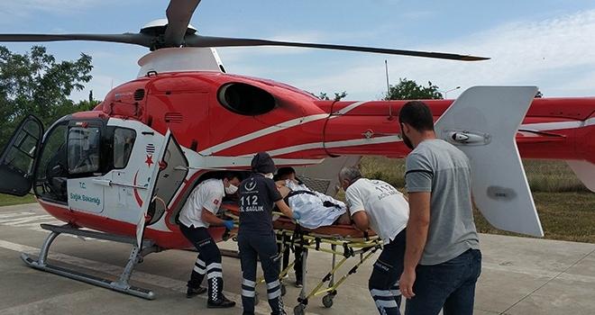 Kazada yaralanan şahıs ambulans helikopterle hastaneye kaldırıldı