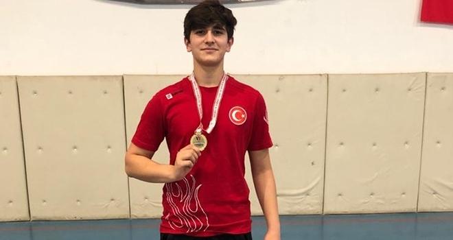 İlkadım Gençlikspor'un Milli sporcusu Tunahan Çelebi'den Altın Madalya