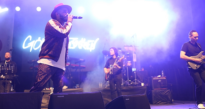 Gökhan Türkmen Şarkılarıyla Coşturdu