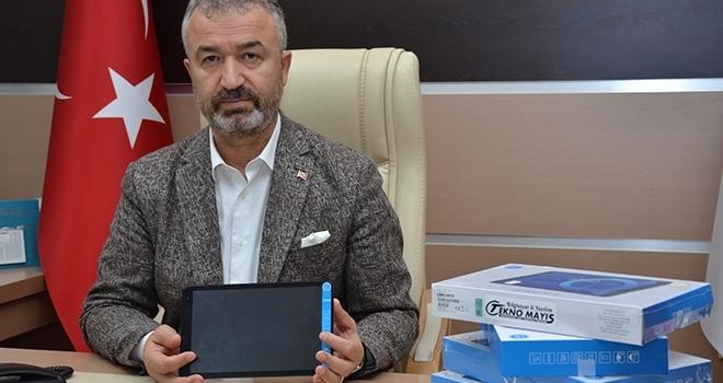 19 Mayıs'tan300 tablet bağışı