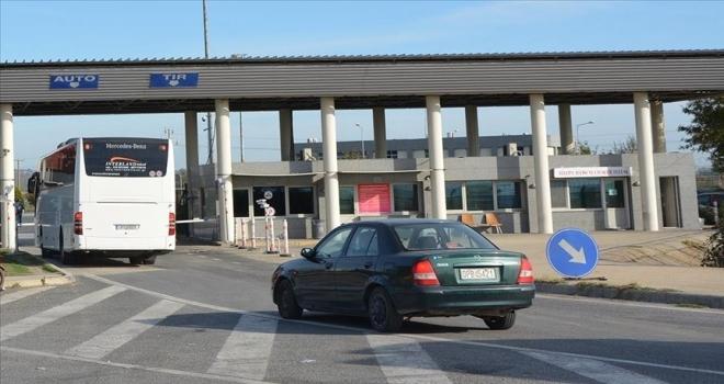 Yunanistan sınır kapısını yolcu ve araç girişlerine 8 saat süreyle kapatacak